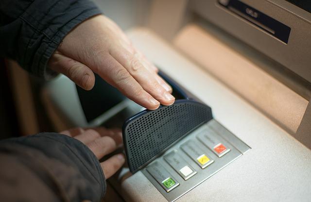לאן נעלמו הכספומטים של הבנקים?